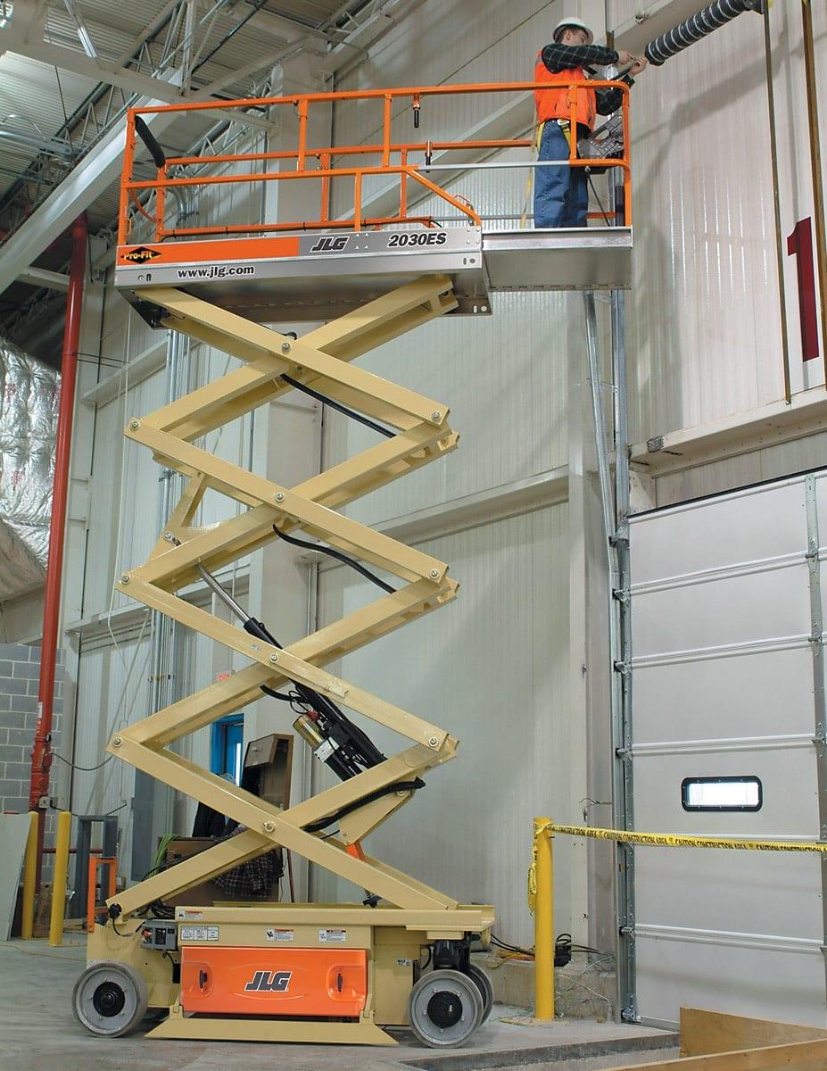JLG 2030 ES en alquiler - Tijera eléctrica 8 metros