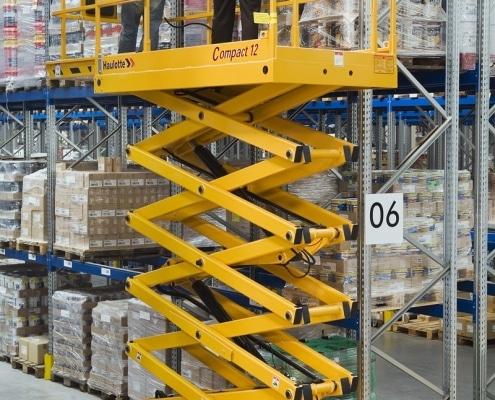 Haulotte Compact 12 - Tijera eléctrica 12 metros
