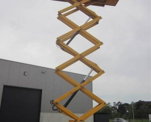 Haulotte H 18 SX - Tijera diésel todo terreno 18 metros