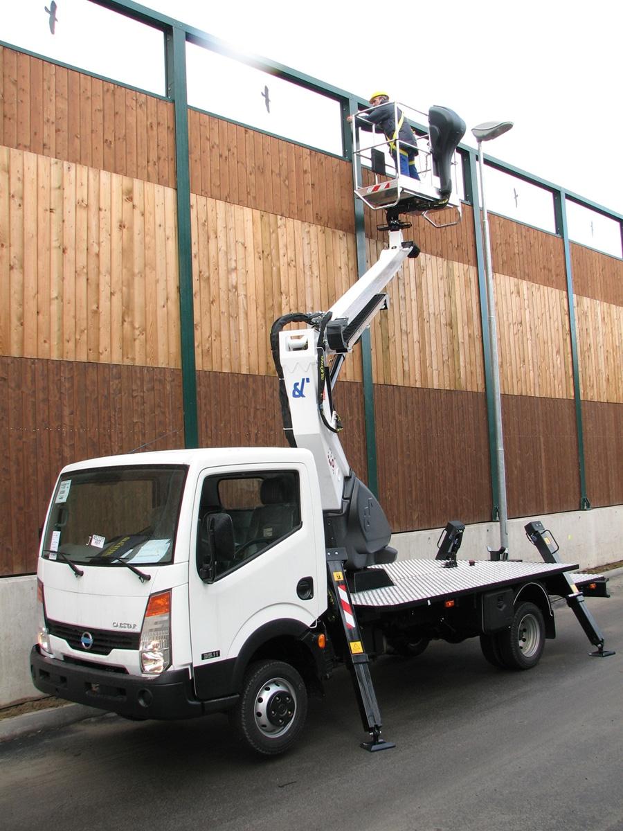 Plataforma sobre camión 23 metros PC23 en alquiler en Galicia