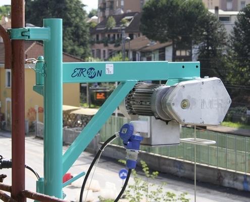 Elevador de obra 200 kg. en alquiler en Vigo