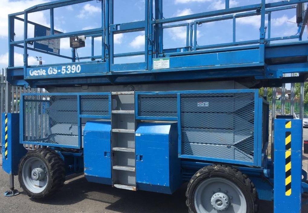 Tijera diesel 18 metros en alquiler