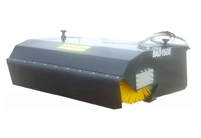 Implemento barredor para Bobcat en alquiler en Galicia