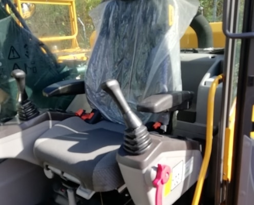 Excavadora de orugas Volvo EC220DL en venta