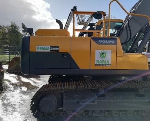 Maquinaria en venta Excavadora de orugas Volvo EC220DL