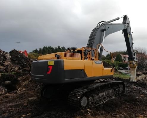 Excavadora de orugas Volvo EC360DL seminueva