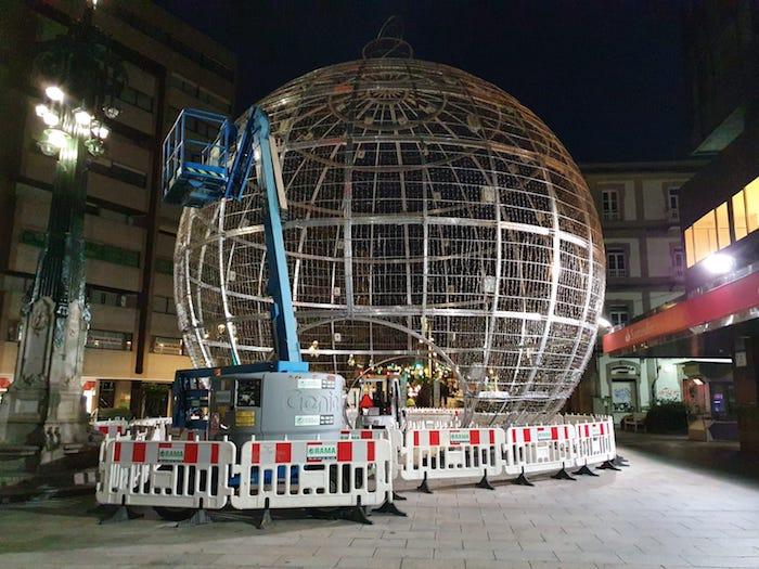 Instalacion bola Navidad Vigo