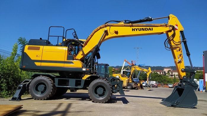 Excavadora de ruedas Hyundai HW160 en alquiler